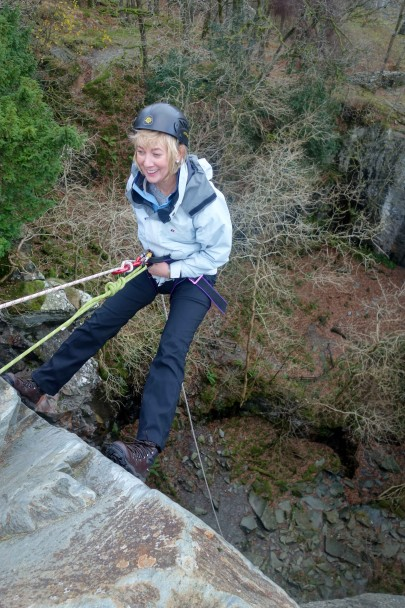 20131121 DSC01331 405x608 Abseiling: Cathedral Quarry with Graham & Suzanne