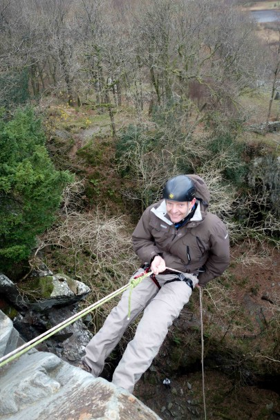 20131121 DSC01334 405x608 Abseiling: Cathedral Quarry with Graham & Suzanne