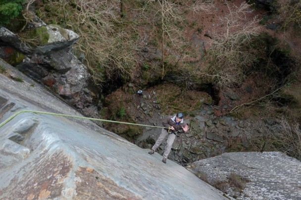 20131121 DSC01336 608x405 Abseiling: Cathedral Quarry with Graham & Suzanne