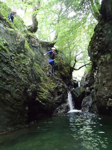 10616334 666807360076990 2452122511062430588 n 456x608 Canyoning: Theos Stag Doo