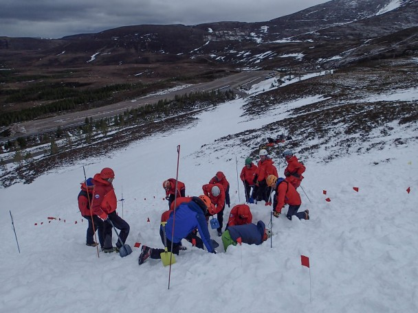11004597 775534522537606 8917654528330222371 o 608x456 Mountain Rescue: winter training